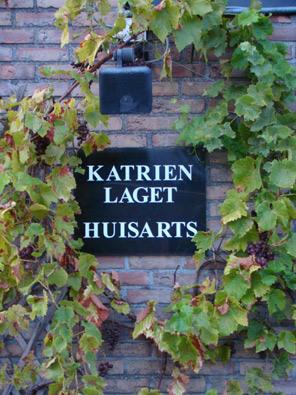 Dr. Katrien Laget